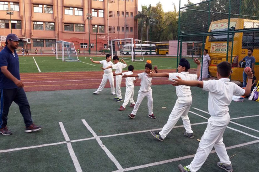 Cricket Coaching is available in HTC Sports